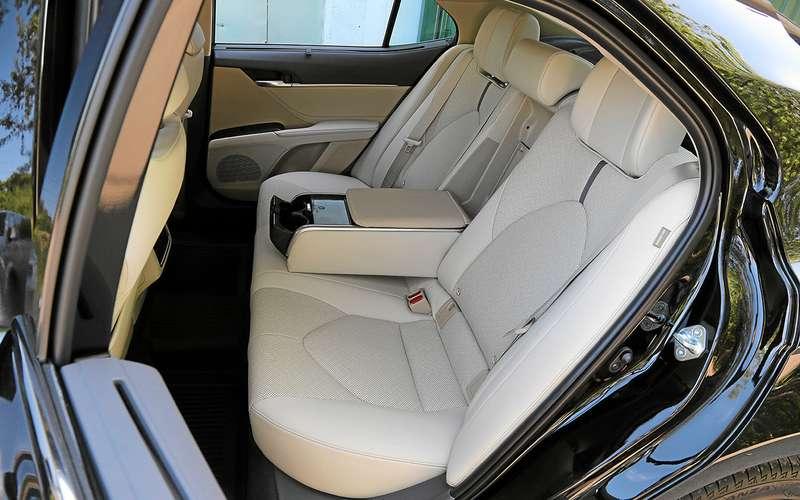 Новая Toyota Camry лучше Kia K5? Ида, инет