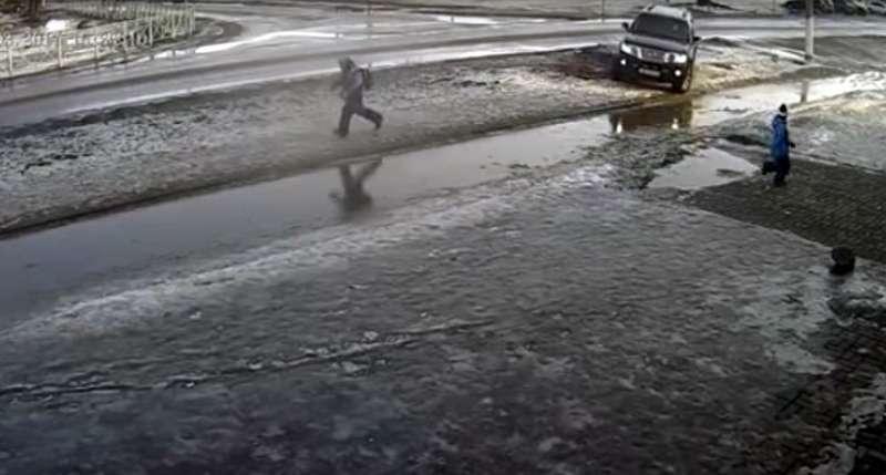 ВЛенинградской области задержали наехавшего наребенка водителя