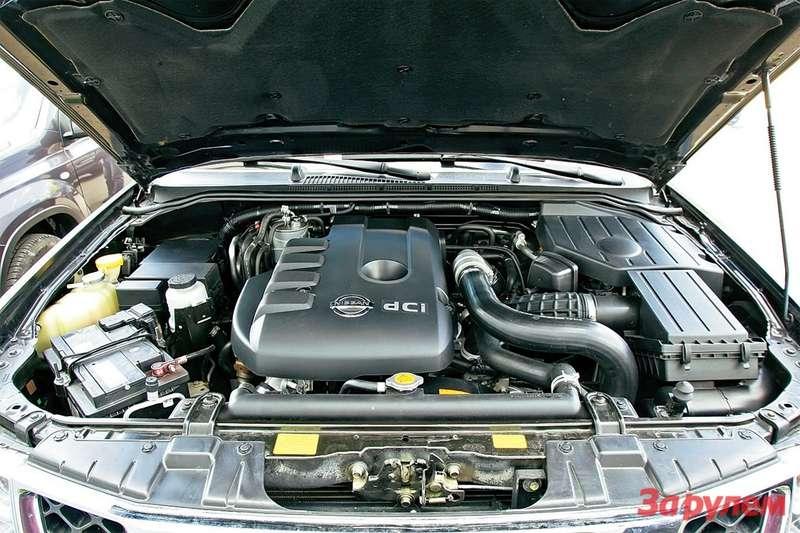 Дизель YD25, пожалуй, самый популярный мотор нанашем рынке. С2010 модельного года его мощность подняли со174до 190 л.с. Вцелом весьма надежный агрегат.