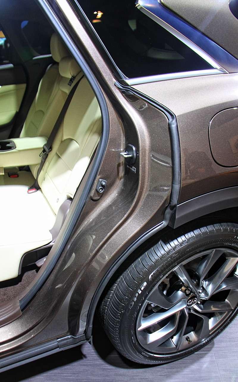 Infiniti показала главный автомобиль всвоей истории— новый QX50— фото 821337