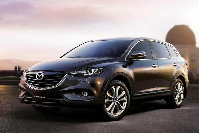 Mazda CX-9 side-front view 1_no_copyright
