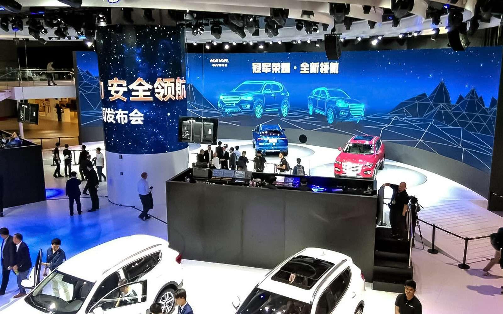 Новый Tiggo 5, будущая Camry идругие: онлайн-трансляция сШанхайского автосалона— фото 739420