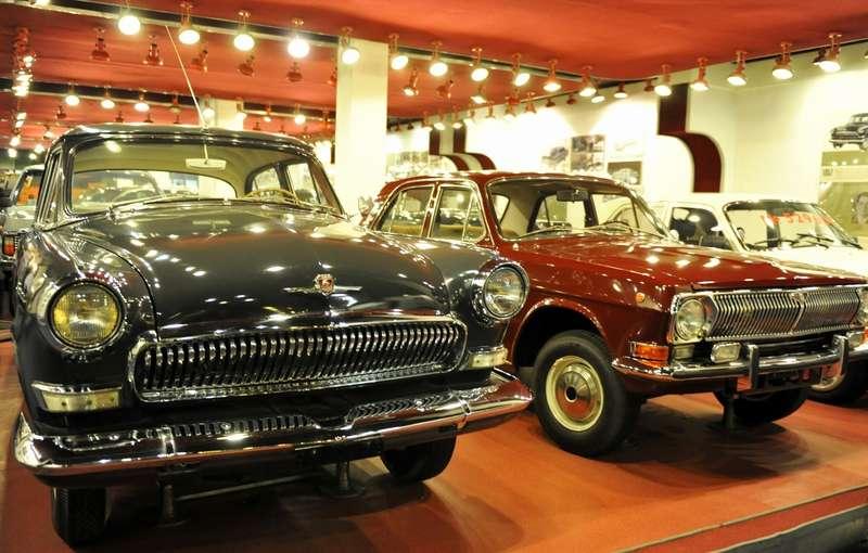 ГАЗ-21 ГАЗ-24(экспозиция музея)