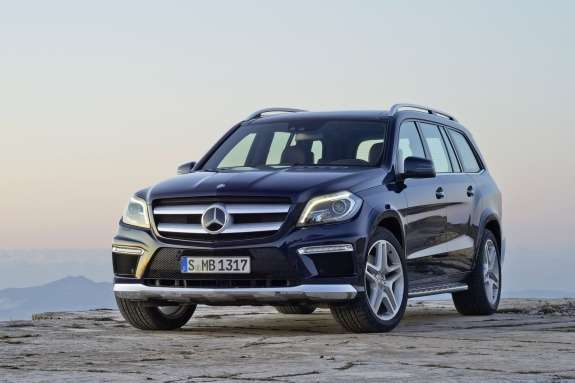 Mercedes-Benz GL-class AMG-pack side-front view