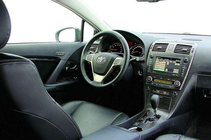 Ford Mondeo, Toyota Avensis, Volkswagen Passat: Под знаком качества— фото 93523
