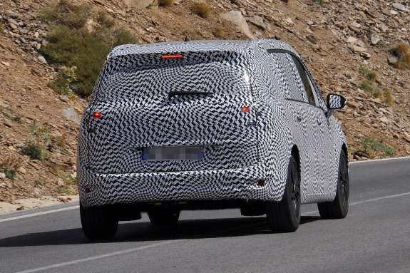 Restyled Citroen Grand C4Picasso test prototype side-rear view_no_copyright