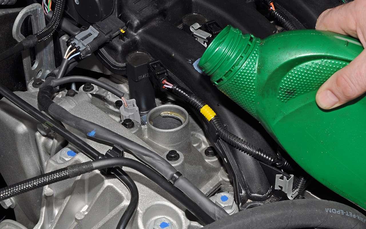 Что икогда стоит заливать вRenault Duster: советы эксперта— фото 1007298