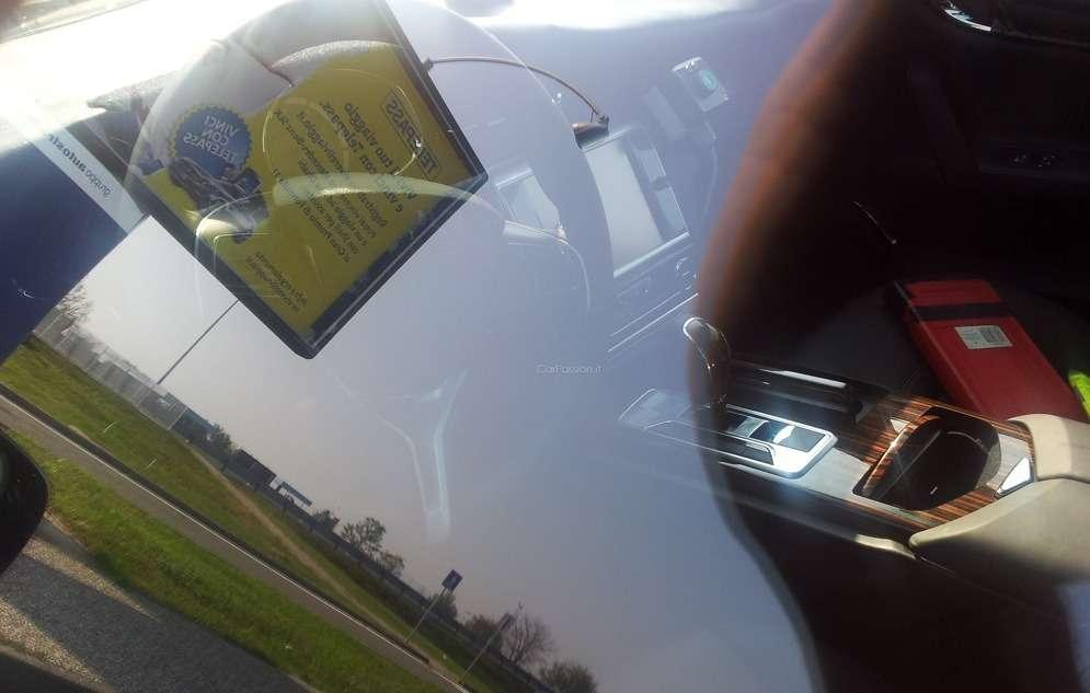 NewMaserati Quattroporte test prototype interior 4_no_copyright