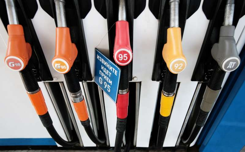 Нарынке начинает ощущаться дефицит бензина