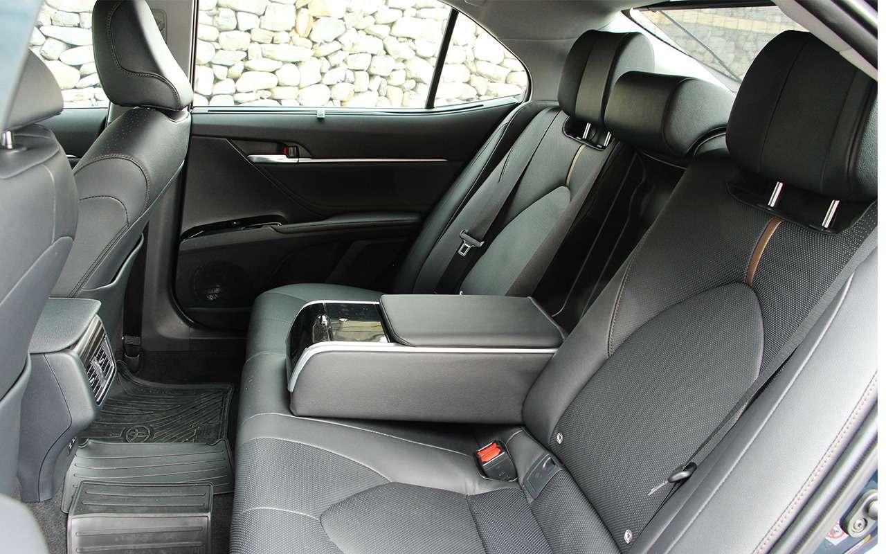 Новая Toyota Camry: первый тест-драйв— фото 867545