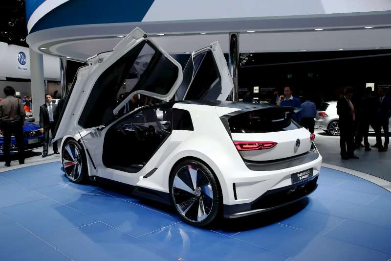 VW_Golf_GTE_Sport_5