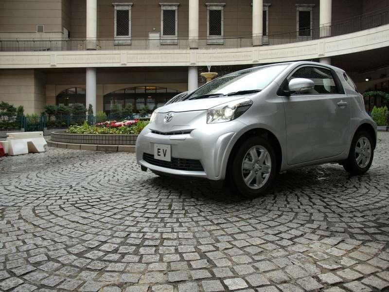 Toyota iQEVдебютирует вЖеневе