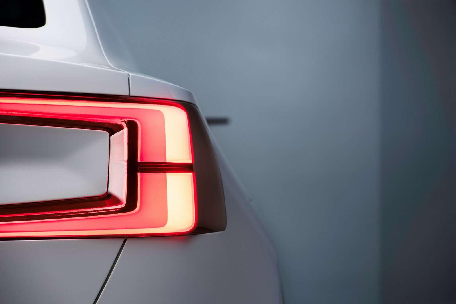 Двараза по40: Volvo анонсировала новое семейство концептуальным дублем— фото 588963