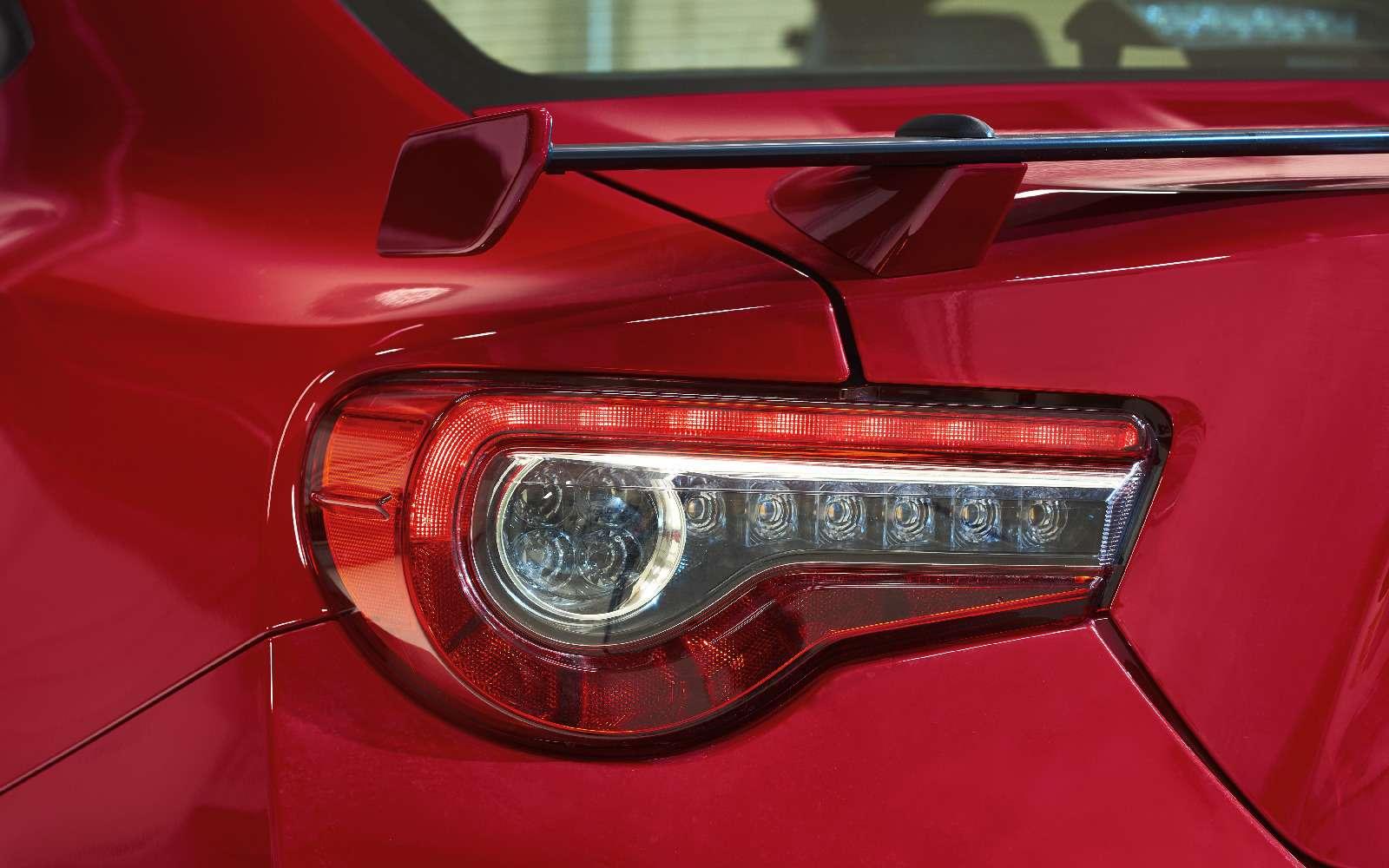 Toyota GT86 получила обновленное шасси итрековый режим— фото 692292