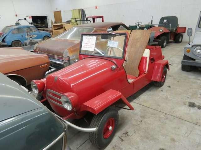 Бывший дальнобойщик решил продать свою коллекцию из700 машин— фото 702171