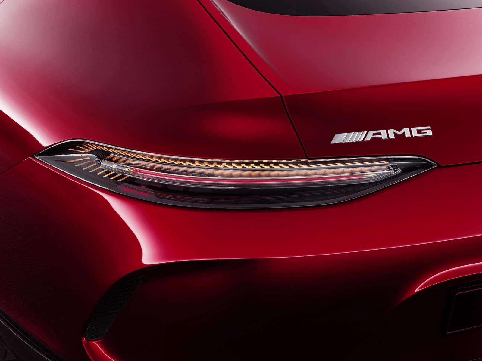 Охотник наPorsche: Mercedes-AMG разбавила гамму спорткаров GTфастбеком— фото 717591