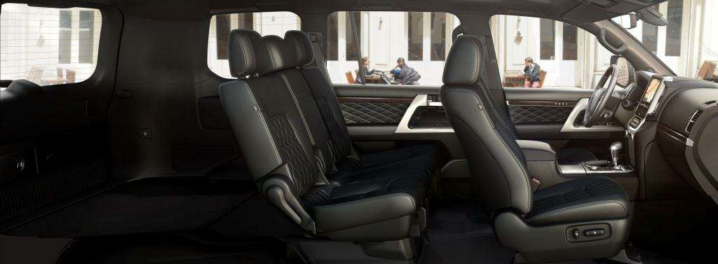 Toyota Land Cruiser 200 обзавелся спецсерией Executive Black иWhite— фото 643702