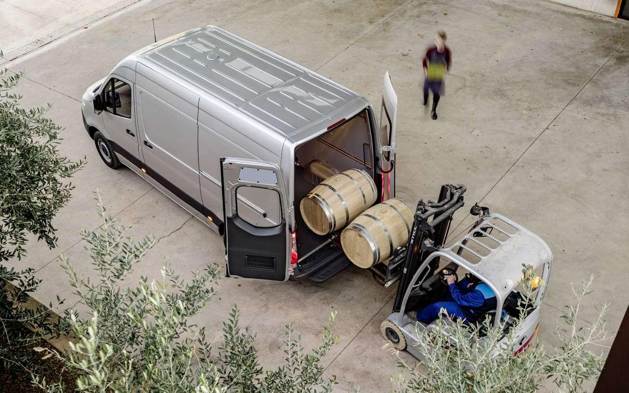 Mercedes-Benz привез вРоссию новое поколение Спринтера— фото 905686