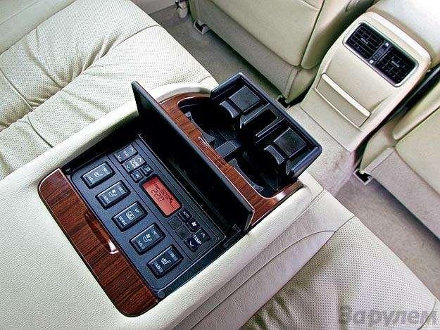 Тест Toyota Camry, Nissan Teana, Skoda Superb: Чудеса геополитики— фото 89514