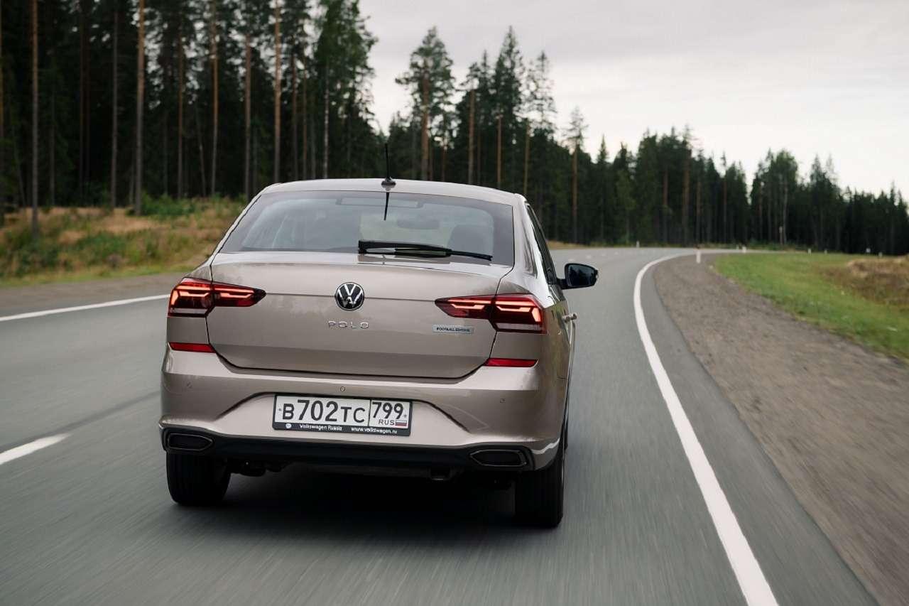 Volkswagen запустил прием заказов наPolo Football Edition— фото 1233117