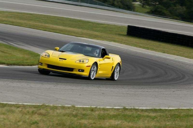 Chevrolet Corvette ZR1в фотографиях— фото 348191