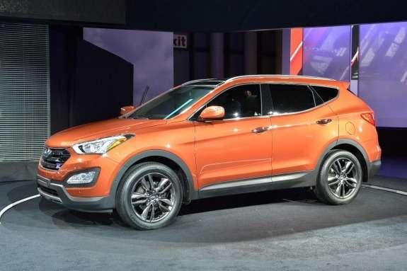 Hyundai Santa FeSport side-front view