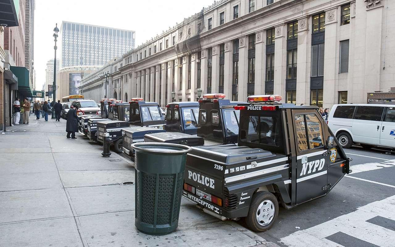 Странные патрульные машины: ужлучше вконную полицию!— фото 1122163