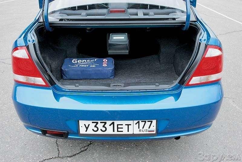 Тест Kia Spectra, Renault Logan, Nissan Almera Classic. Отбатонов доседанов— фото 66413