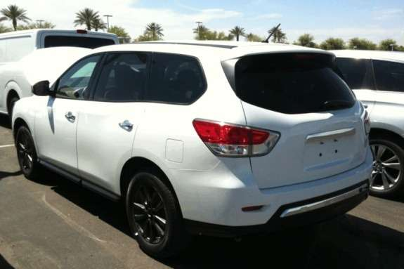 New Nissan Pathfinder side-rear view