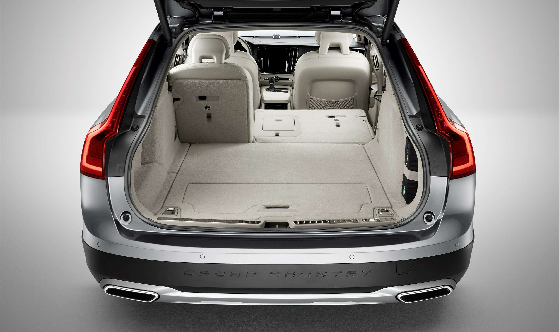 Такой «сарай» нам нужен: Volvo V90 Cross Country представлен официально— фото 635264