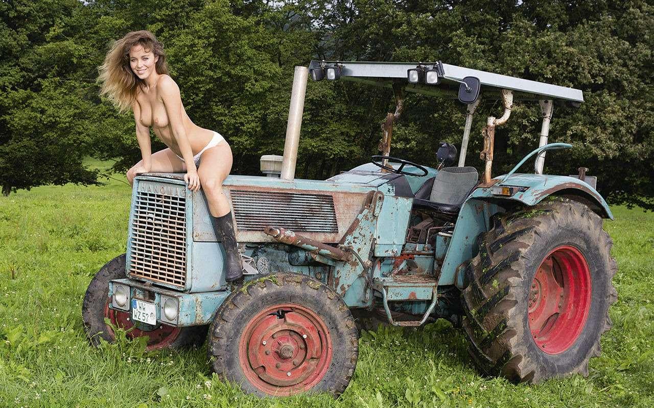 Девушки исельхозтехника: задорный календарь на2019год— фото 930408