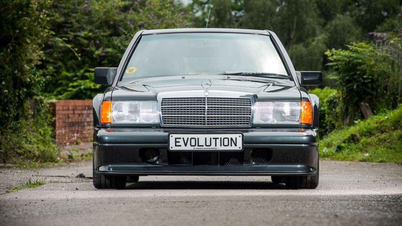 Дорогущий старикашка: фантастический Mercedes-Benz 190E запросит кругленькую сумму— фото 617299