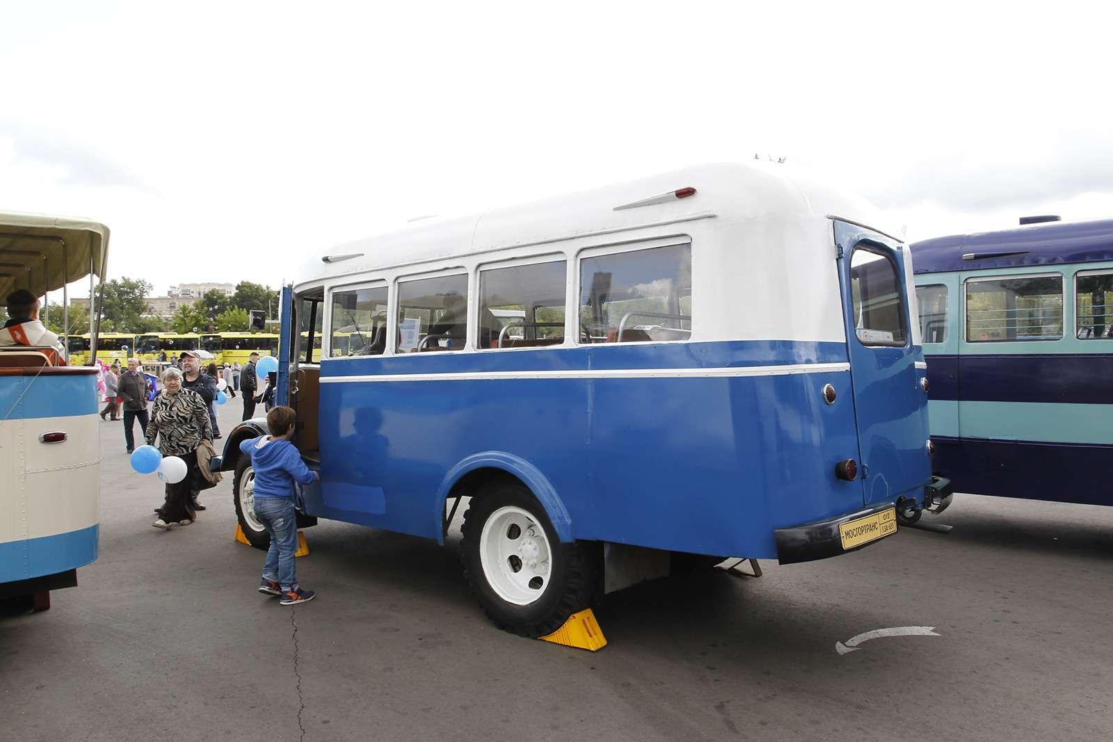 Автобусы нашего детства— выставка пассажирского транспорта— фото 792652