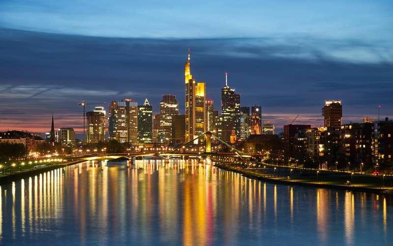 Франкфуртский автосалон уходит изФранкфурта