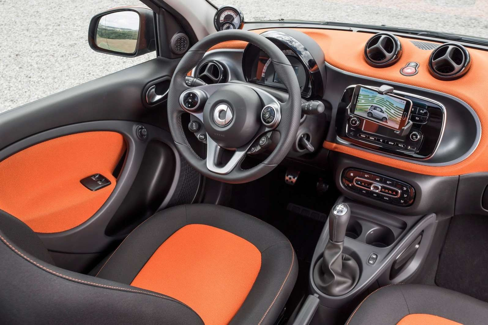 2015-Smart-ForTwo-ForFour-70