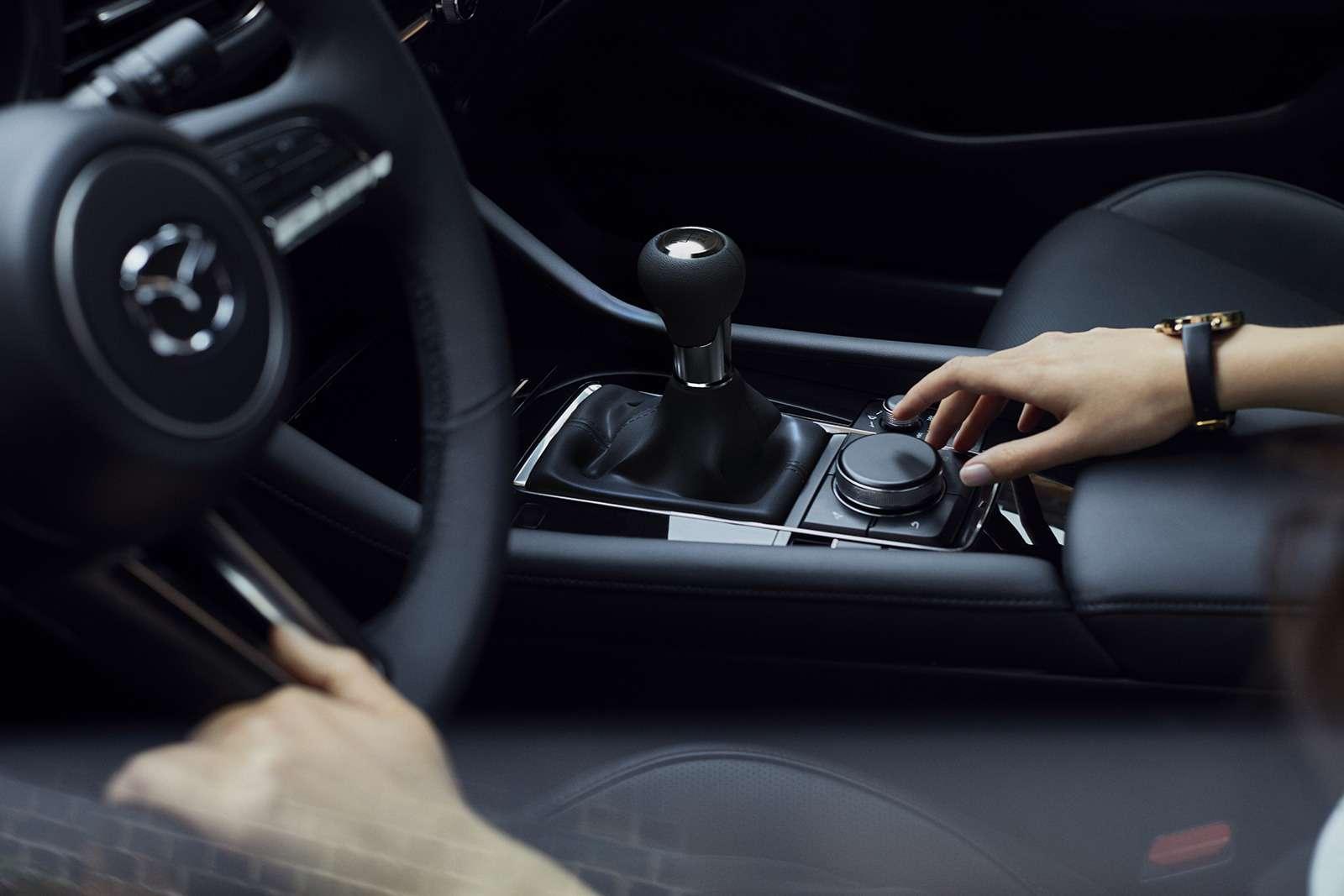 Новая Mazda 3: рассматриваем вдеталях совсех сторон— фото 928215