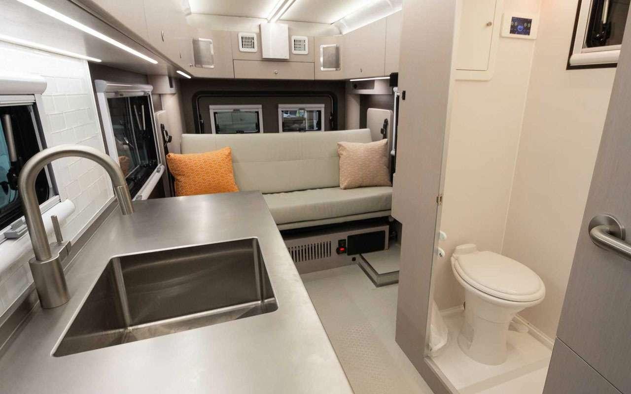 Квартира внутри... грузовичка. Без колес квартира дешевле!— фото 1198006