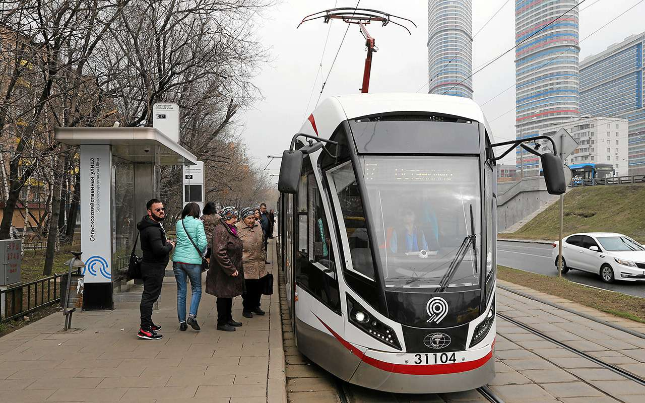 «Шустрых меньше стало»— что думает водитель трамвая онас, автомобилистах— фото 967415