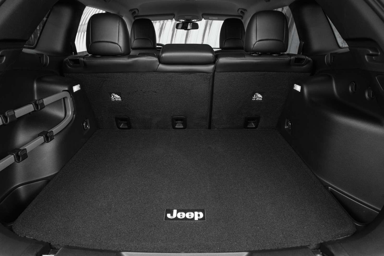 Jeep_Cherokee-64