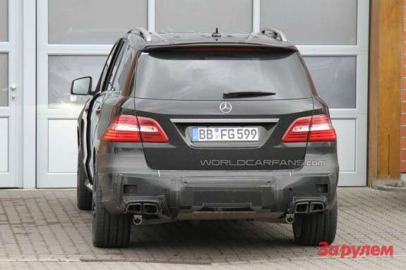 Mercedes-Benz ML63AMG Performance Package rear view