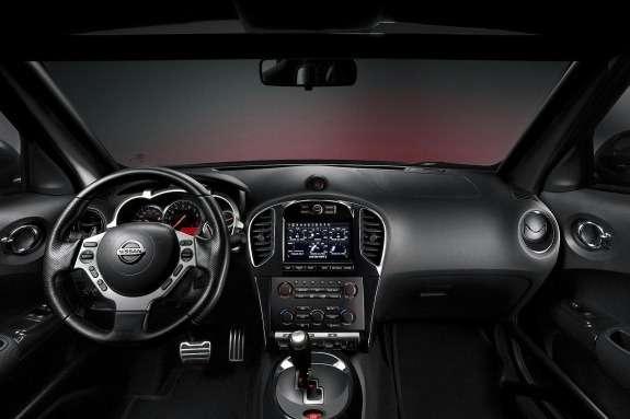 Nissan Juke-R inside
