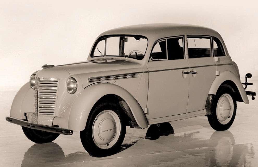 Opel Kadett K-38. С1937по 1940год было выпущено 72657 автомобилей скузовами Normal Limousine, Special Limousine, Cabrio Limousine и4-t?rige Limousine. Изних мыскопировали только последний