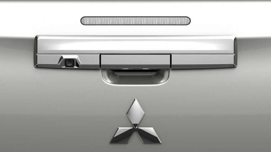 Пикапу Mitsubishi L200 обновили внешность иценник— фото 950981