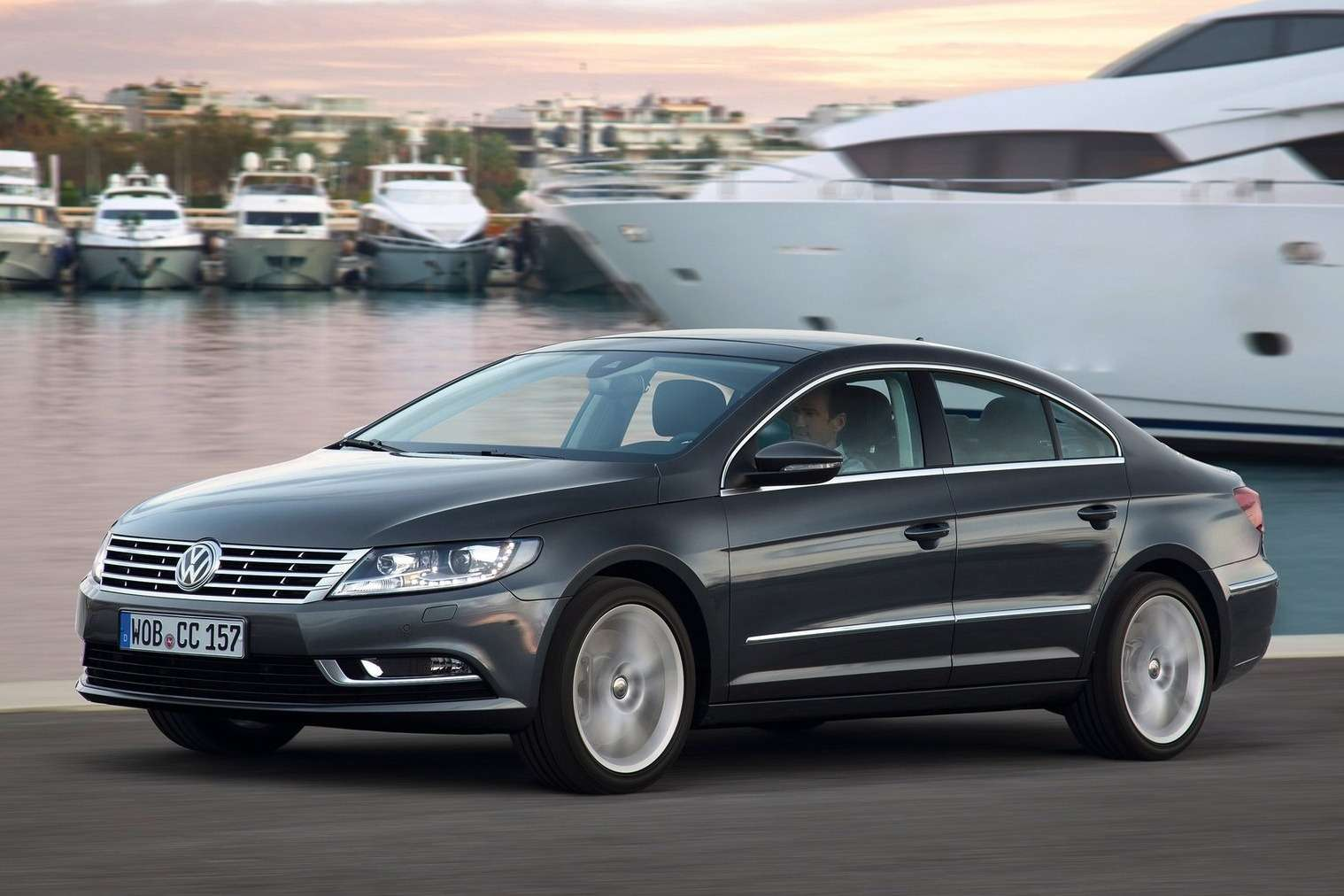 Volkswagen-CC_2013_1600x1200_wallpaper_04