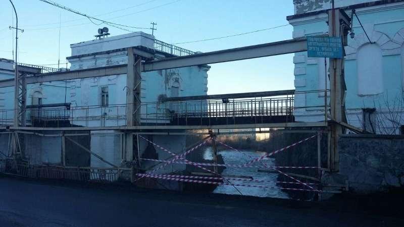 В Свердловской области нетрезвый водитель съехал смоста вреку— фото 745589