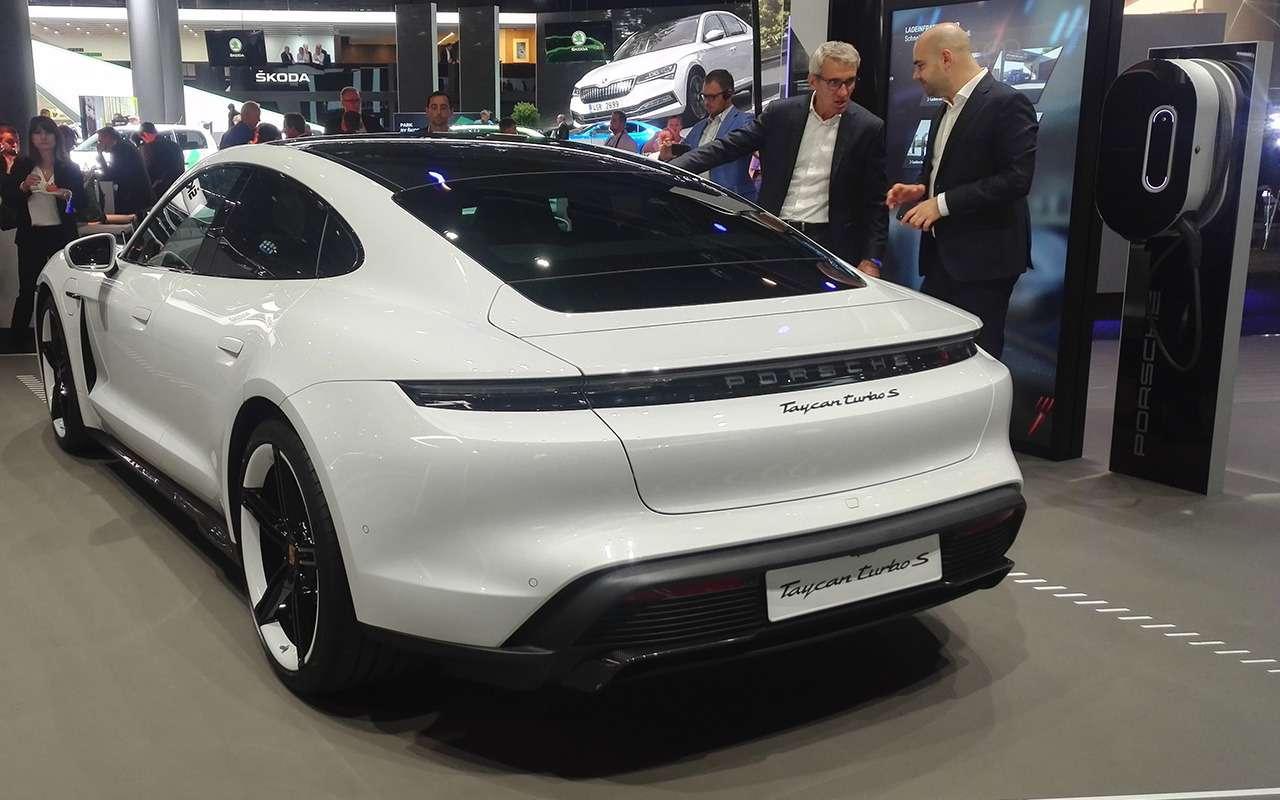 Porsche Taycan: спорткар иэлектромобиль— фото 995236