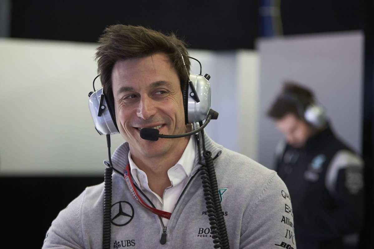 Mercedes верит вэлектричество иуходит изDTM