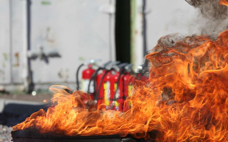 Огнетушитель дляавто— как выбрать? Советы экспертов