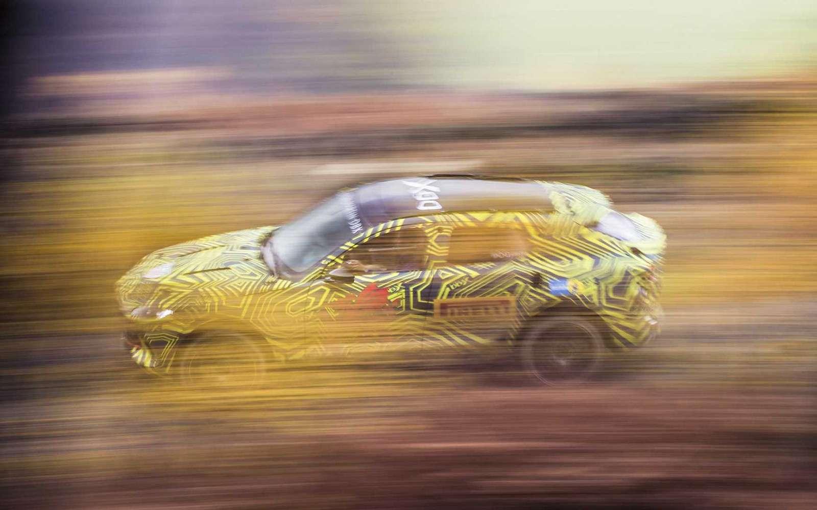 Aston Martin показал свой кроссовер на фото и видео — фото 922762