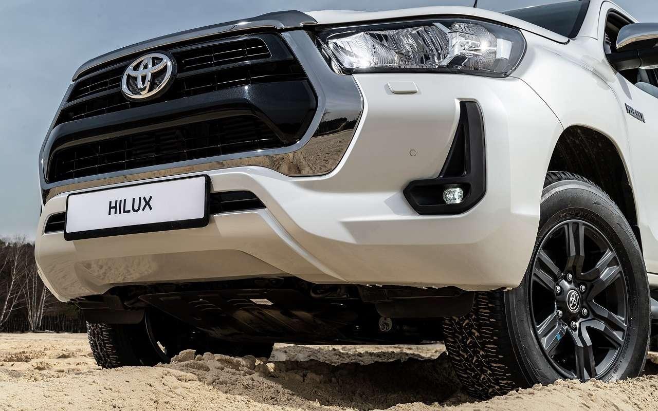 Обновленные Toyota Fortuner иHilux: открыт прием заказов— фото 1154165